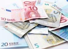 Billetes de banco euro sobre blanco Foto de archivo libre de regalías