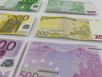 Billetes de banco euro sobre blanco Imagen de archivo