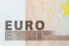 Billetes de banco euro, texto detallado en nuevos cincuenta billetes de banco euro Foto de archivo libre de regalías