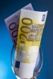 Billetes de banco euro 200 y 500 Imagen de archivo libre de regalías