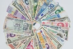 Billetes de banco internacionales de las monedas fotografía de archivo