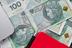 Billetes de banco, pluma y nota polacos Foto de archivo libre de regalías