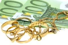 Billetes de banco y joyas euro Fotografía de archivo