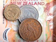 Billetes de banco y monedas Imagen de archivo libre de regalías