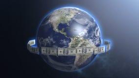 Billetes de dólar alrededor del planeta de la tierra, mundo del acto del dinero, flujo de liquidez, comercio global foto de archivo libre de regalías