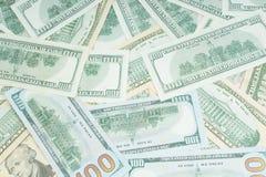 Billetes de d?lar de papel americanos como parte del financiero y del sistema de comercio globales Fondo foto de archivo