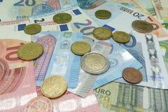 Billetes y monedas euro, unión europea Foto de archivo