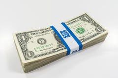 Billets d'un dollar un avec la courroie de devise photographie stock libre de droits