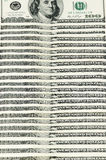 100 billets d'un dollar disposés verticalement Photos stock