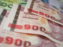 Billets de banque de fond d'argent de baht thaïlandais Images libres de droits