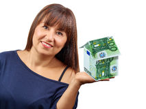 Billets de banque de la maison 100 de femme euro d'isolement Photographie stock libre de droits