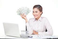 billets de banque des USA de prise de femme d'affaires à disposition Image libre de droits