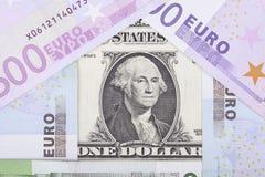 Billets de banque euro et dollar sous forme de maison Photographie stock libre de droits