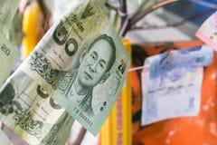 Billets de banque thaïlandais, argent thaïlandais : plan rapproché des billets de banque Images libres de droits