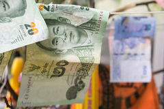 Billets de banque thaïlandais, argent thaïlandais : plan rapproché des billets de banque Photographie stock libre de droits