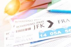 Billets et accessoires de carte d'embarquement Photographie stock libre de droits