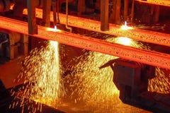 Billette d'acciaio al taglio per fiamma ossiacetilena Fotografia Stock