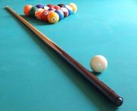 Billiardkugeln und -tabelle Lizenzfreie Stockfotografie