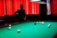 Billiards gracza sylwetka zdjęcia royalty free