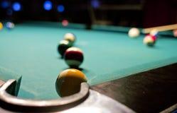 Billiardspiel auf Pooltabelle Lizenzfreies Stockbild