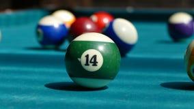Billiardtabell med mång--färgade bollar 002 Royaltyfri Fotografi