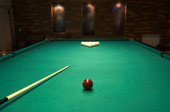 Billiardtabelle in einem Nachtclub Stockfotografie