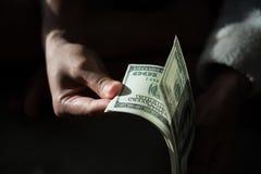 Billie-Dollar in der Hand lizenzfreies stockfoto