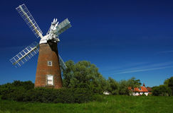 Billingford väderkvarn Norfolk Arkivfoto
