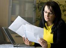 bills online paying Στοκ φωτογραφίες με δικαίωμα ελεύθερης χρήσης