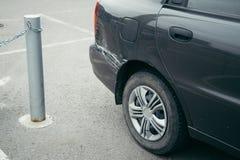 Bilolycka, skrapa på bilen arkivfoto
