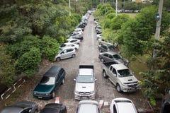 Bilparkeringsområde av Maharaj Nakorn Chiang Mai Hospital Fotografering för Bildbyråer