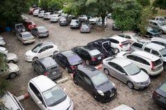 Bilparkeringsområde av Maharaj Nakorn Chiang Mai Hospital Arkivfoto