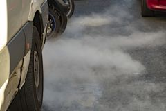 Bilrökförorening arkivbild