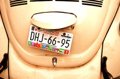 Bilregistreringsskyltar på bilen i den Campeche staden Yukatan Februari 14, 2014 Mexico Royaltyfri Bild
