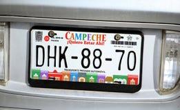 Bilregistreringsskyltar på bilen i den Campeche staden Yukatan Februari 14, 2014 Mexico Royaltyfria Bilder
