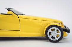 Biltappning som isoleras på vit Arkivbild