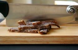 Biltong ξηρό κρέας με slicer Στοκ Εικόνα