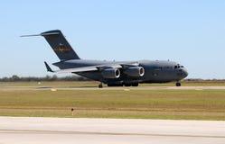 Biltransport för C-17 Globemaster för USA-flygvapen Royaltyfri Fotografi