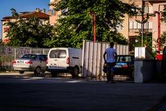 Biltvätt i liten stad Royaltyfri Foto