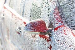 Biltvätt med tvål royaltyfri fotografi