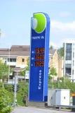 Biluppladdningsstation arkivfoto