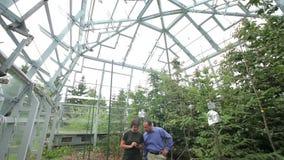 BILY KRIZ, RÉPUBLIQUE TCHÈQUE, LE 20 AOÛT 2015 : Chambres à couvercle serti pour la recherche de changement climatique, technolog banque de vidéos