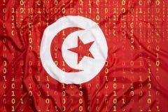 Binär Code mit Tunesien-Flagge, Datenschutzkonzept Stockfoto