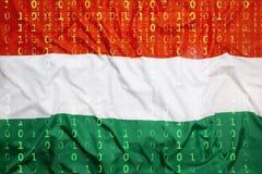 Binär Code mit Ungarn-Flagge, Datenschutzkonzept Lizenzfreie Stockfotos