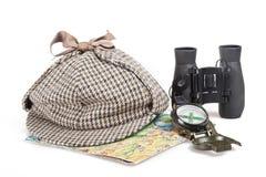 Binóculos, chapéu pretos de Sherlock Holmes, mapa e fotos de stock
