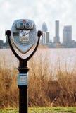Binóculos com skyline de Louisville Fotografia de Stock