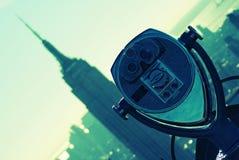 Binóculos e Empire State Building Imagem de Stock Royalty Free