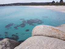 Binalong Bay, Tasmania. Beautiful blue water Royalty Free Stock Photos
