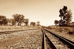 Binari ferroviari allo sconosciuto Immagine Stock Libera da Diritti