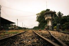 Binari ferroviari nella stazione di Phatthalung Fotografia Stock